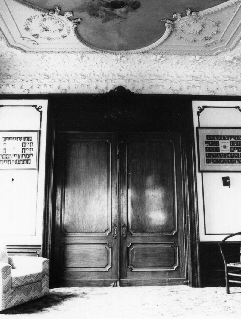 House Chapter Room pocket doors